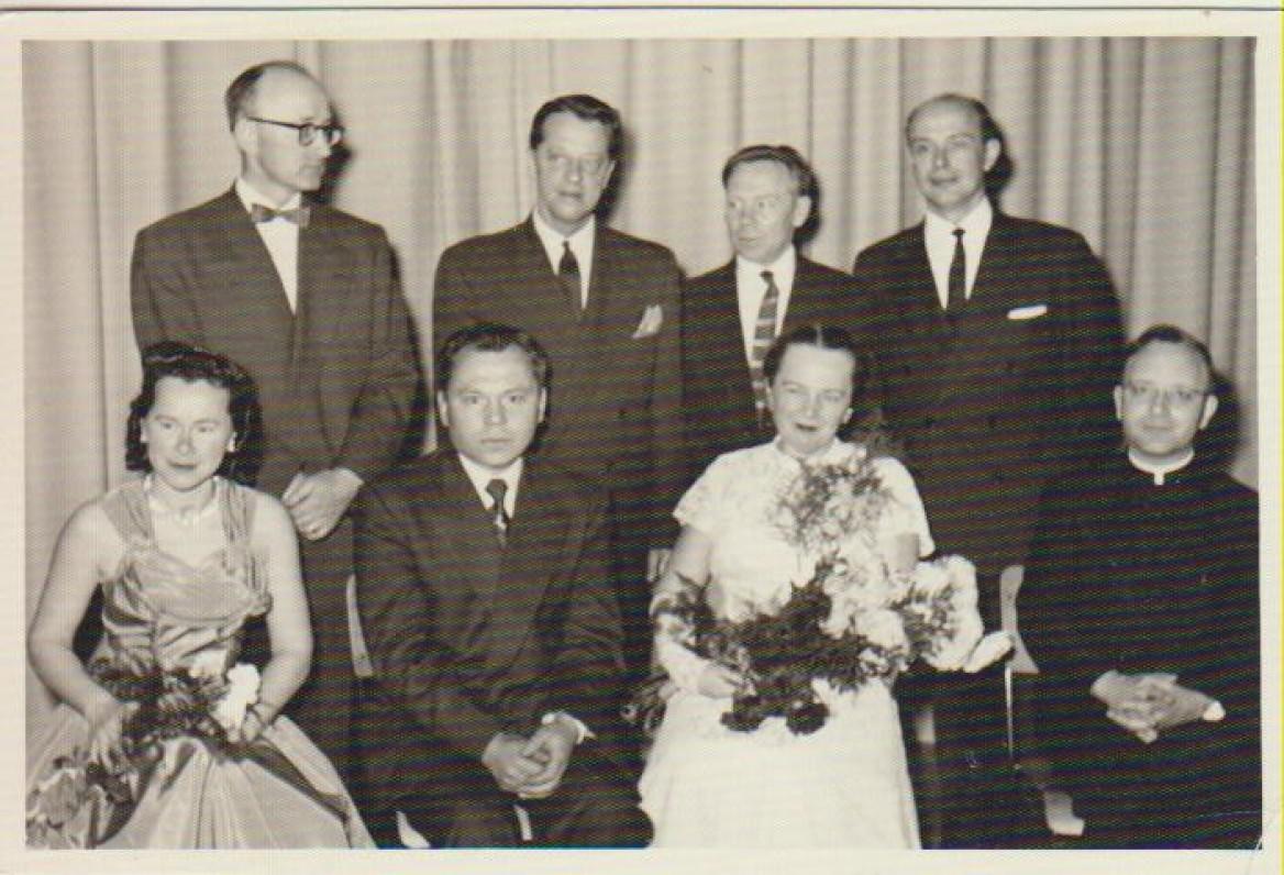 Po literatūros vakaro. Sėdi antras iš kairės – K. Bradūnas, J. Augaitytė, L. Andriekus. Stovi iš kairės – A. Vaičiulaitis, trečias – J. Aistis, P. Jurkus. Brooklyn, 1956 m.
