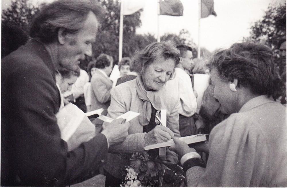 Poezijos pavasario metu. Vilnius, 1992 m.