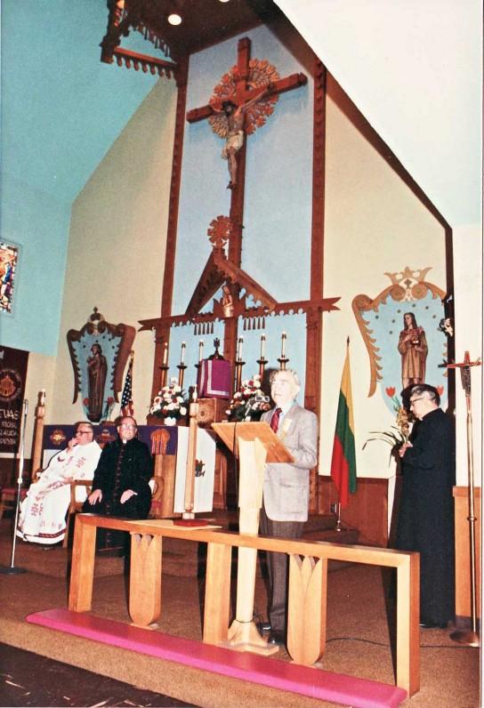 Popiežiaus Jono Pauliaus II medalio įteiktuvės 1988 m. kovo 6 d. Šv. Kazimiero parapijoje Los Andžele