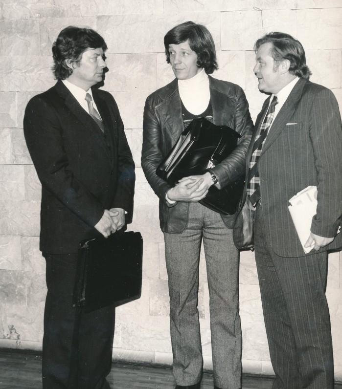 Rašytojai Leonidas Jacinevičius, Saulius Šaltenis ir Pranas Raščius. 1979 m. A. Sutkaus nuotrauka