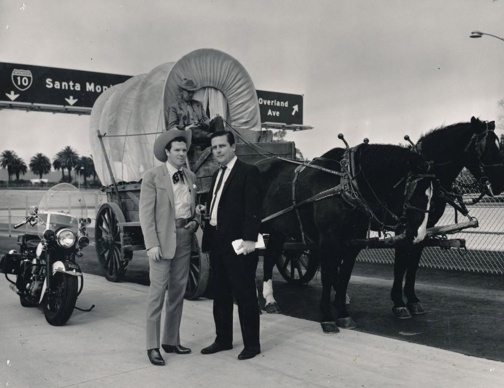 Santa Monikos greitkelio atidarymas. M. Starkus – iš dešinės. 1965 m.