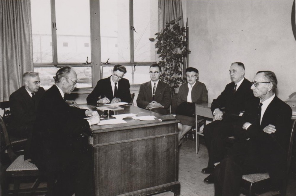 Su Aukštųjų lituanistinių kursų mokytojais. Čikaga. 1963 m.