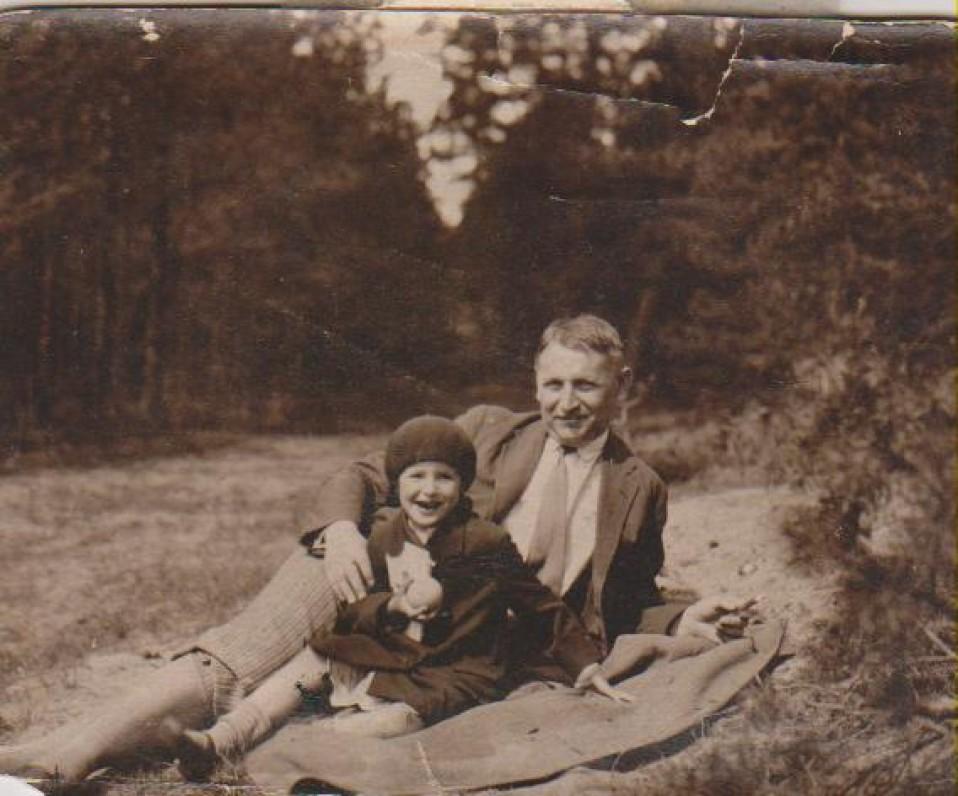 Su Baliu Sruoga. Kaunas, apie 1931 m.