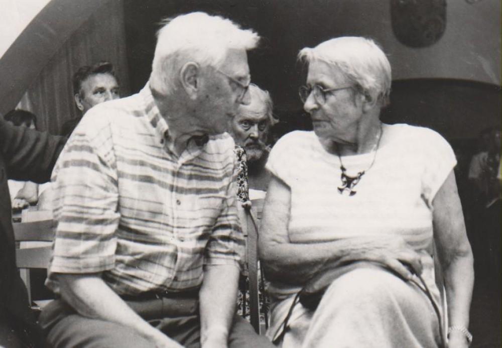 Su Jurgiu Blekaičiu. V. Daugirdaitės-Sruogienės 100-ųjų gimimo metinių minėjimas Maironio lietuvių literatūros muziejuje. Kaunas, 1999 m. liepos 20 d.