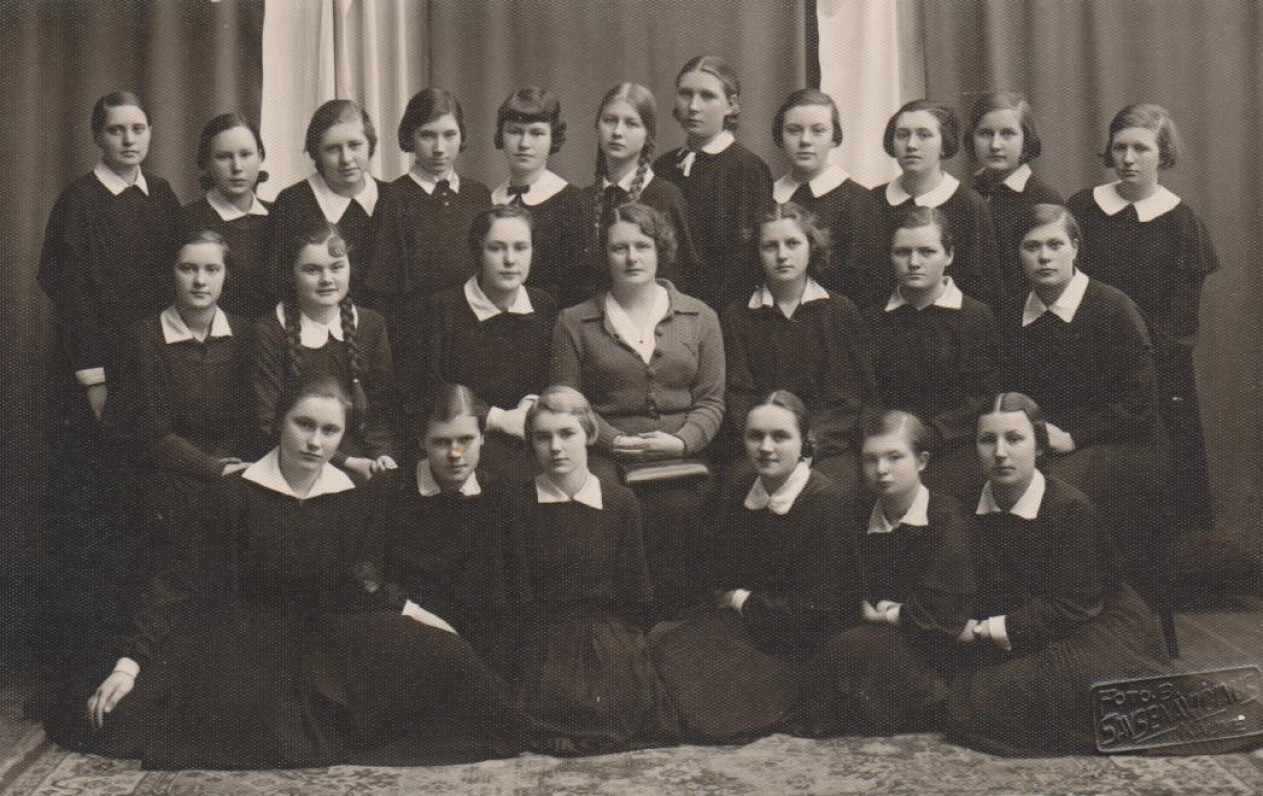 Su V-ąja Kauno III Valstybinės gimnazijos klase. 1938 03 26