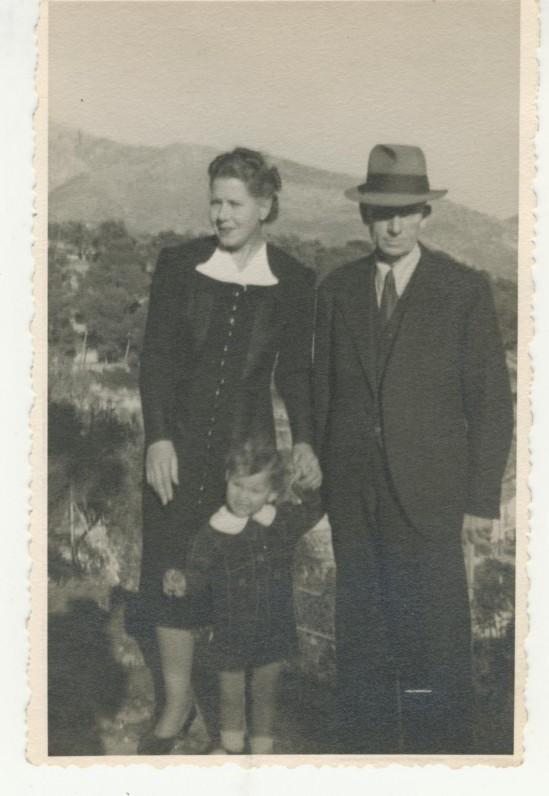 Su antrąja žmona Inga Geisler ir įsūniu Serge. Apie 1949 m.