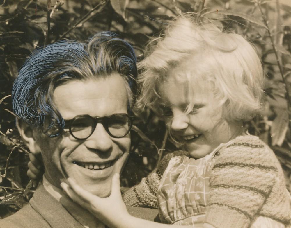 Su mažąja drauge. Vokietija. 1948 m. A. Rimydžio fotografija
