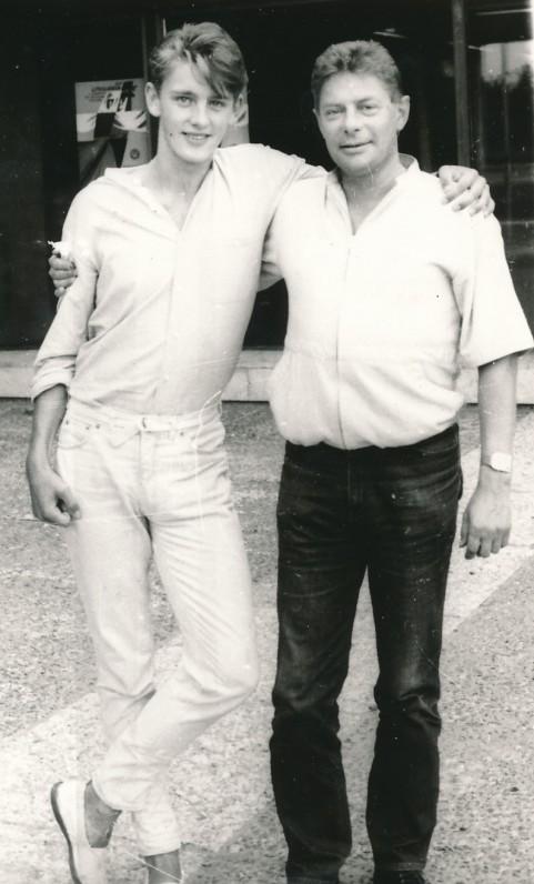 Su sūnumi Andriumi Vilniuje. Apie 1987 m.