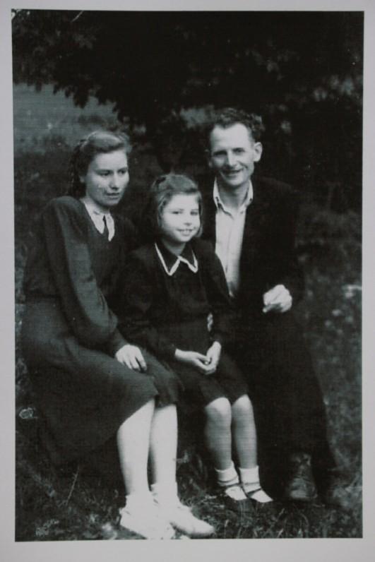 Su tėvais – mama Kazimiera Paulauskiene ir tėčiu Kazimieru Paulausku