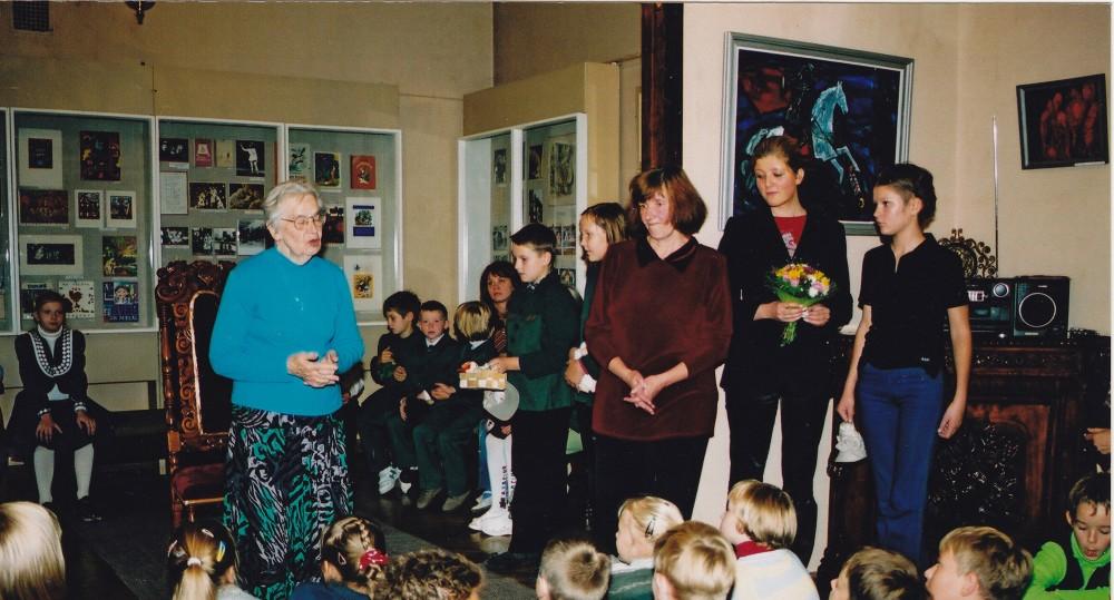 Susitikimas su D. Lipčiūte-Augiene Vaikų literatūros muziejuje. Kaunas, 2001 m. rugsėjo 11 d.
