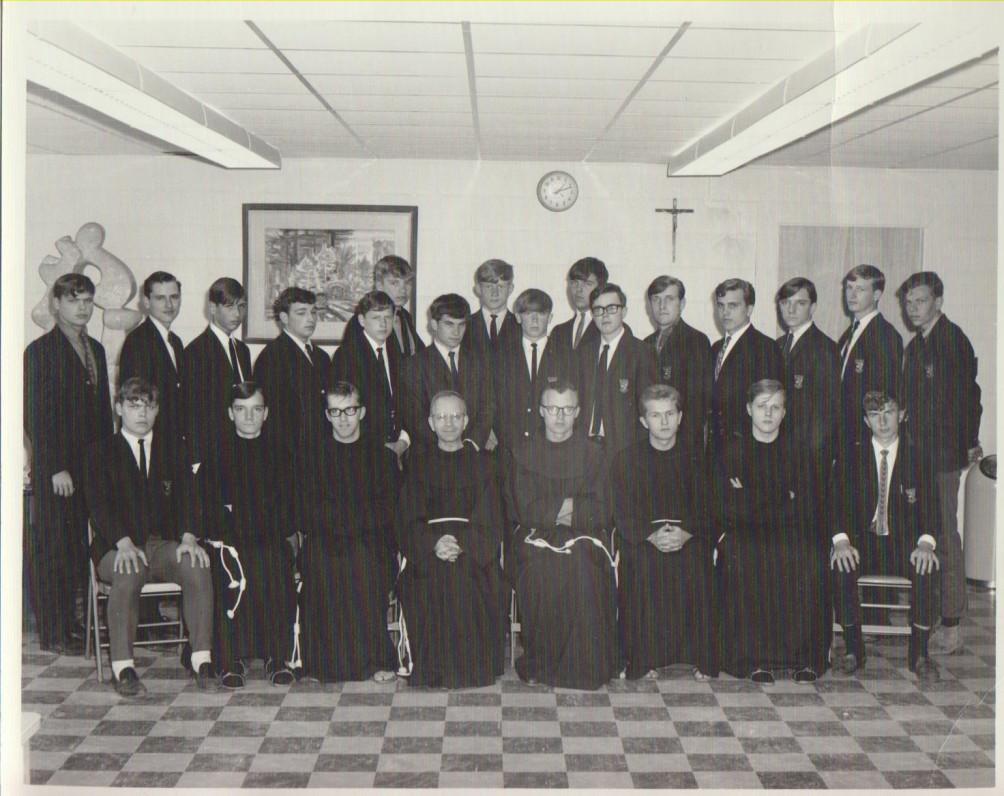 Šv. Antano Aukštesniosios mokyklos mokiniai ir dėstytojai. Kennebunkport, Maine. 1968 m.