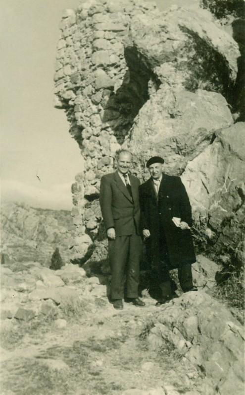 V. Miliūnas su dramaturgu Anuškinu. Gurzufas, 1961 m. sausio 10 d.