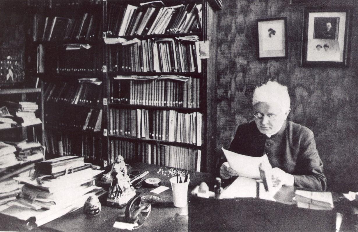 Vaižgantas savo namuose. Kaunas, 1931 m.