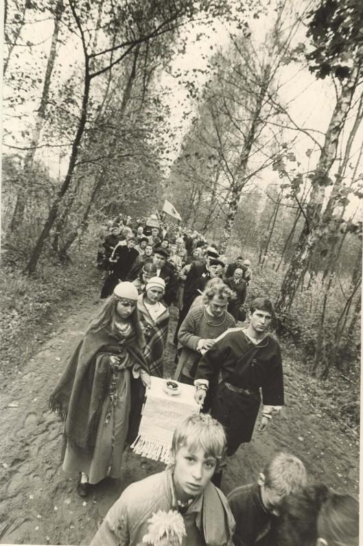 Vydūno palaikų perlaidojimas Lietuvoje, Bitėnuose. 1991 m. spalio 19 d. A. Švenčionio nuotrauka