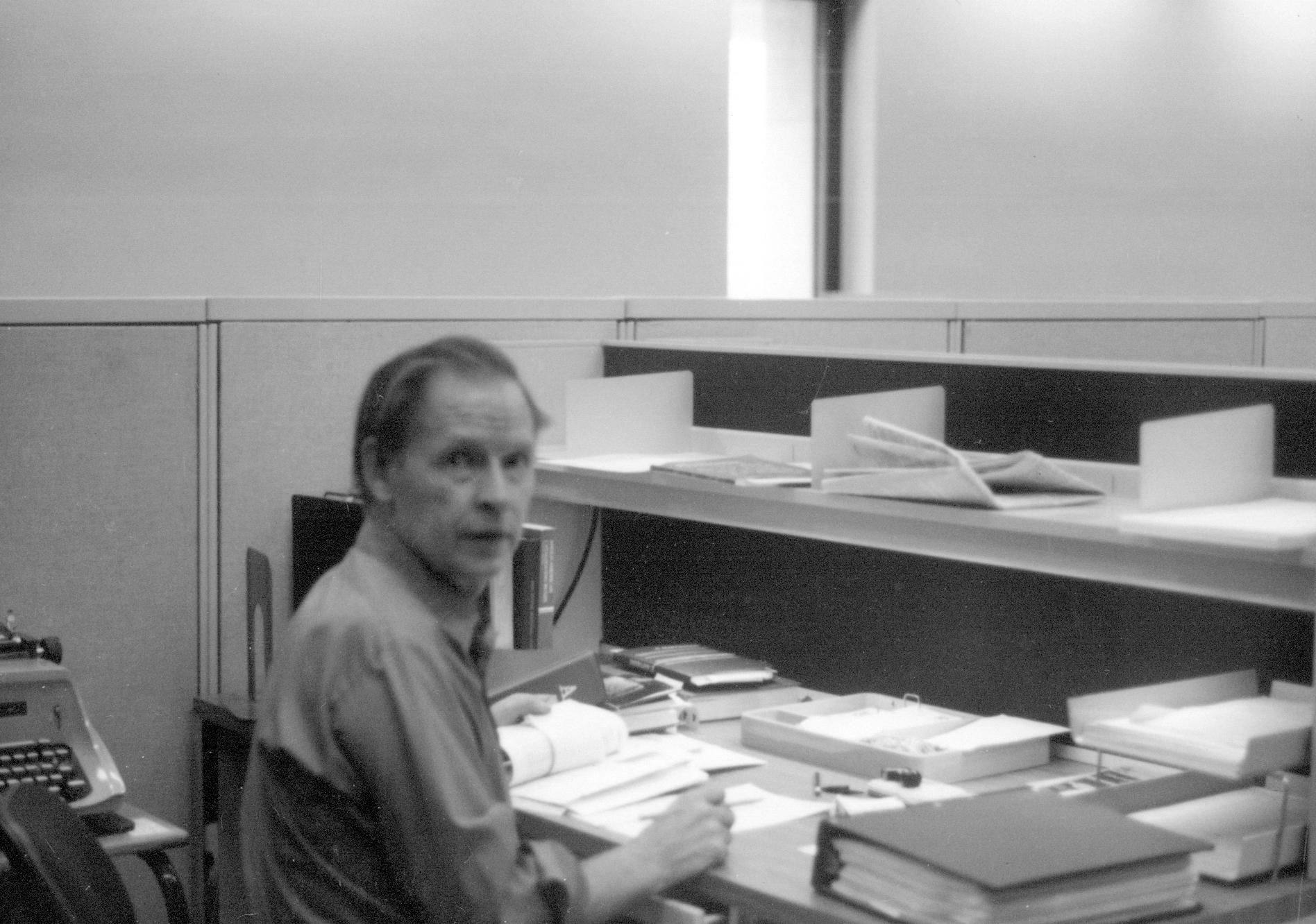 Prie darbo stalo Kongreso bibliotekoje (Library of Congress)