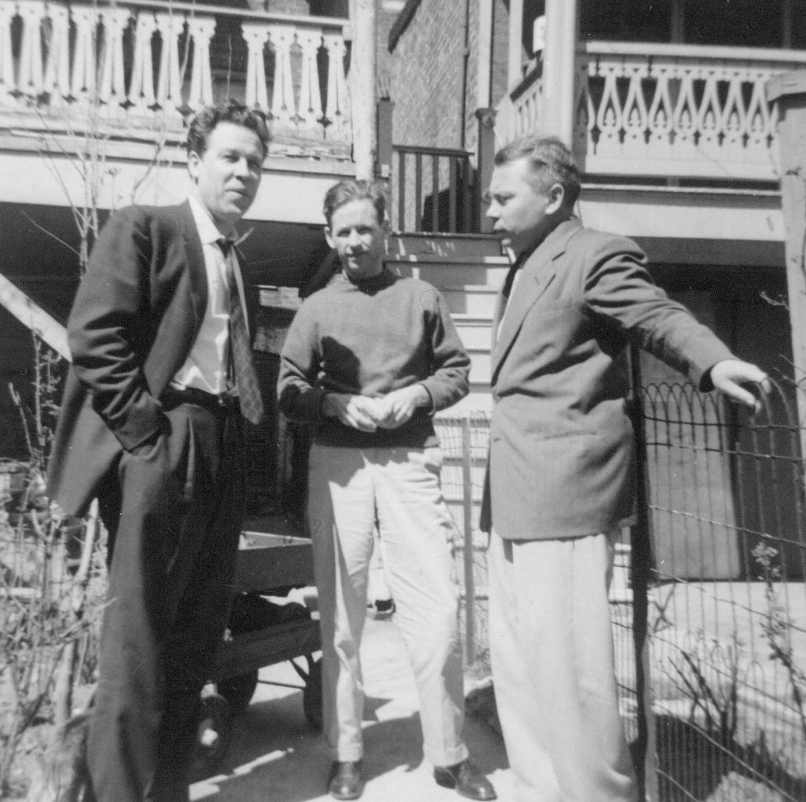 Iš kairės: H. Nagys, A. Nyka-Niliūnas ir K. Bradūnas. Baltimorė, 1952 m.