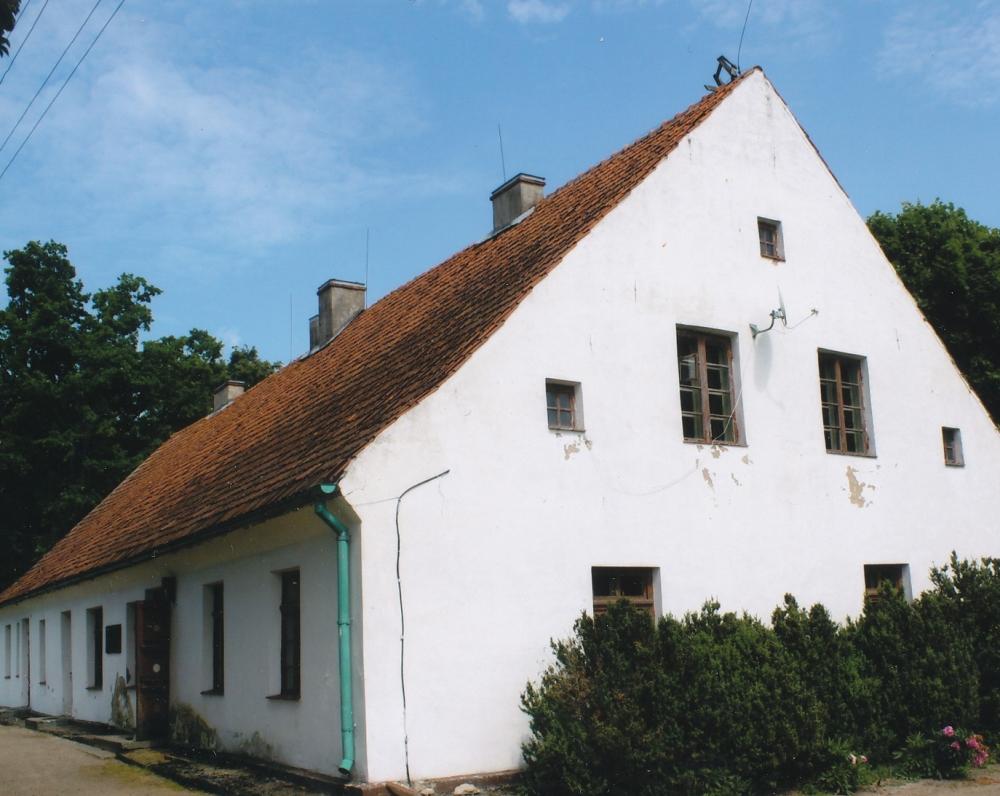inkiemio klebonija, K. Donelaičio perstatyta 1764–1765 m. Atstatyta 2002 m.