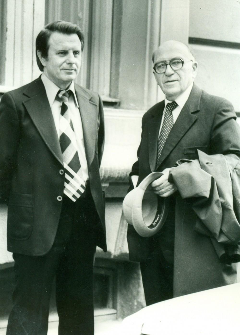 A. Žukauskas ir J. Marcinkevičius. Vilnius, 1979 m. Nuotrauka O. Pajedaitės