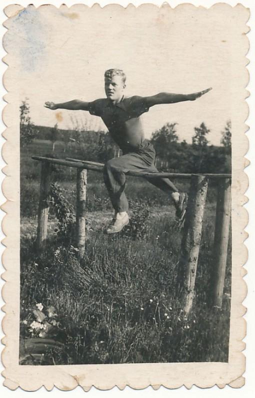 J. Aputis – gimnastas. 1953 m. liepos 9 d.