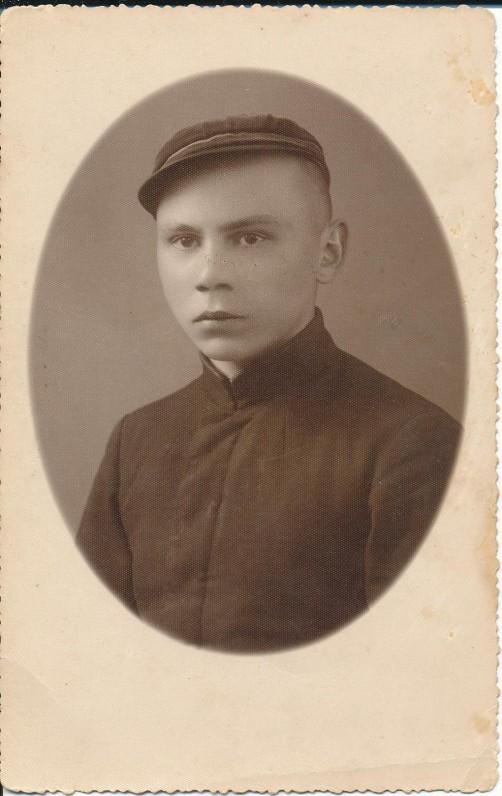 K. Bradūnas – gimnazistas. Vilkaviškis. 1934 m.
