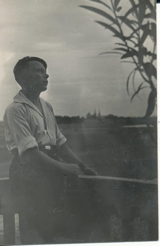 Kazys Bradūnas Kiršuose. 1943 m.