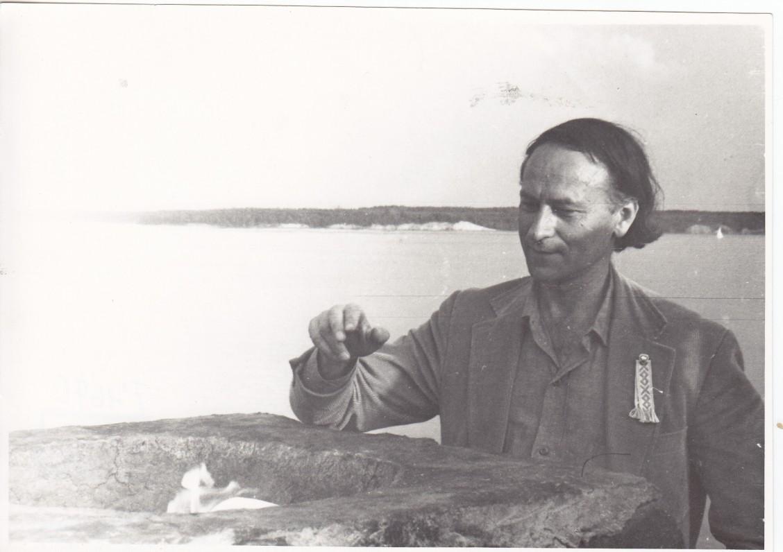 Lankydamasis Kaune, J. Mekas uždegė Poezijos aukurą. 1971 m. rugpjūtis. J. Narkevičiūtės nuotrauka
