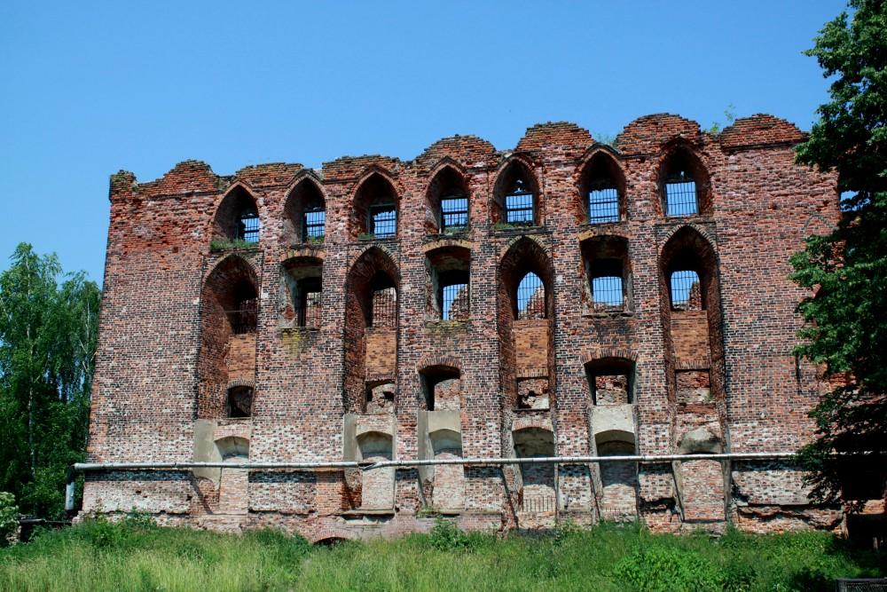 Masyvi Ragainės pilis, kryžiuočių pastatyta 1409 m. 2013 m. Nuotr. Z. Baltrušio
