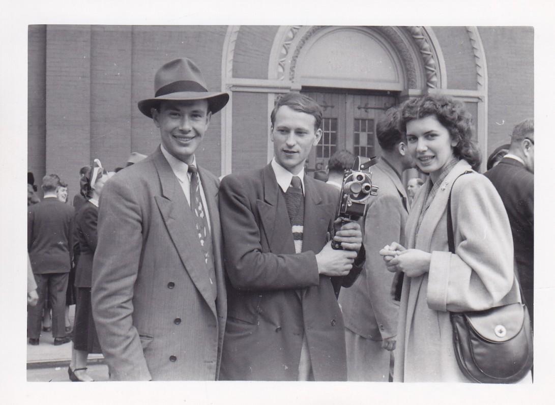 Paulius Jurkus, Jonas Mekas, Galina Macelytė. Bruklinas, 1953 m.
