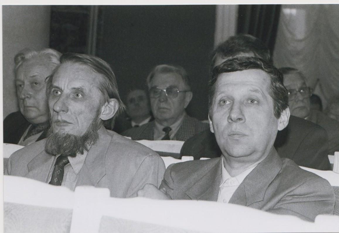Petras Dirgėla (kairėje) ir Danielius Mušinskas. 1999 m. Z. Baltrušio nuotrauka