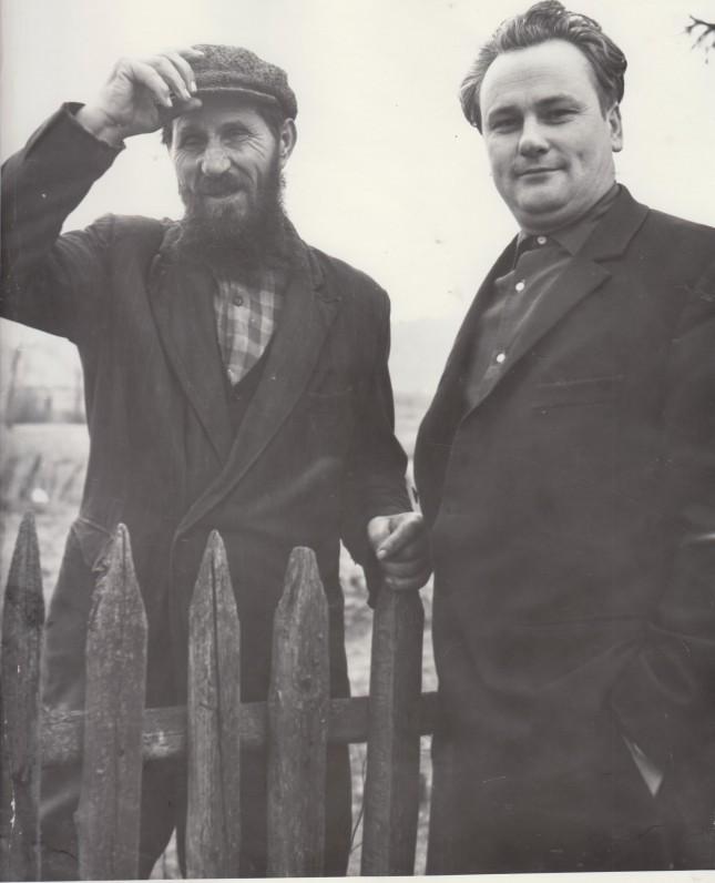 V. Dautartas gimtajame Šilelio kaime su kaimynu apie 1967 m.