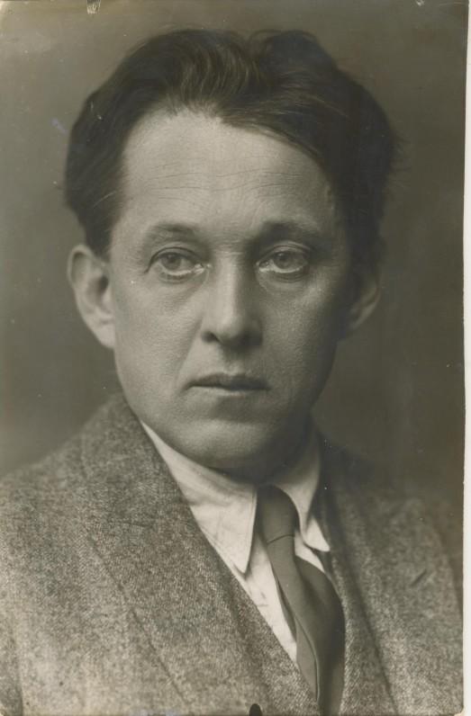 V. Krėvė. 1927 m. |