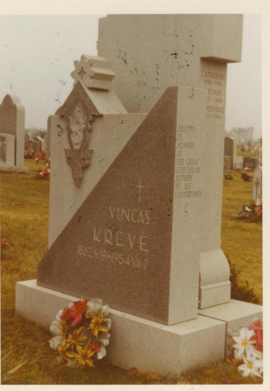 V. Krėvės kapas Filadelfijoje