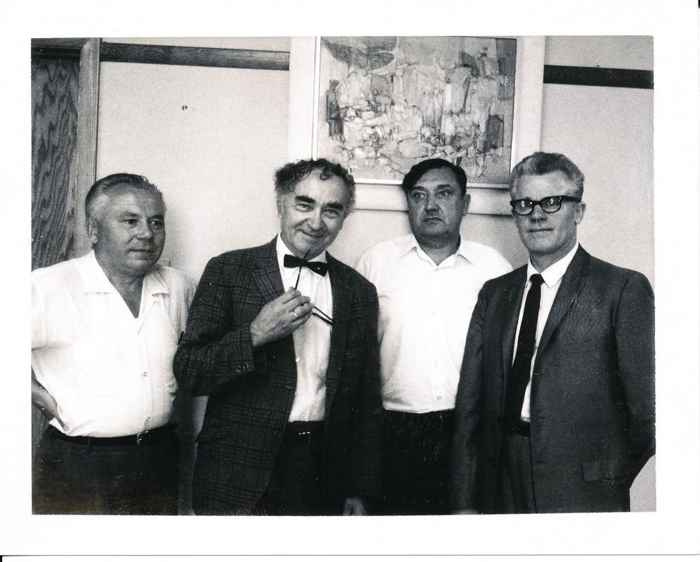 """""""Draugo"""" redakcijoje. Čikaga. 1970 m. K. Bradūnas, B. Brazdžionis, A. Baronas, A. Kairys"""