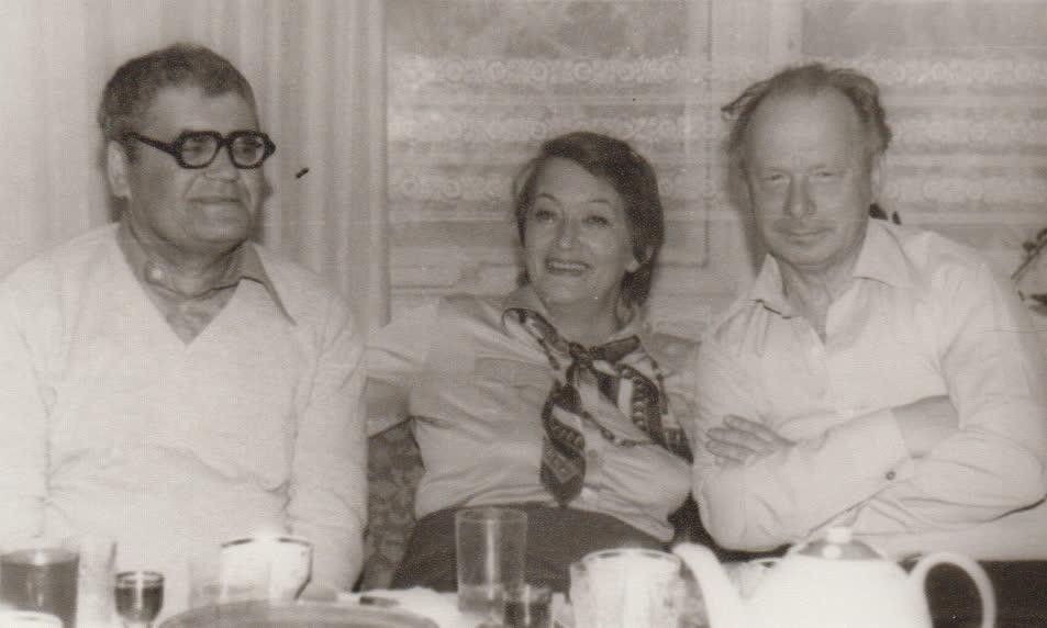 K. Marukas Su dukra Sigita ir rašytojas A. Bieliauskas savo namuose Vilniuje apie 1983 m.