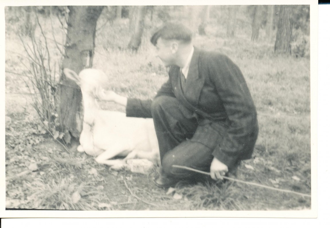 "A. Baronas su ""baronu"". Hanau. 1948 m."
