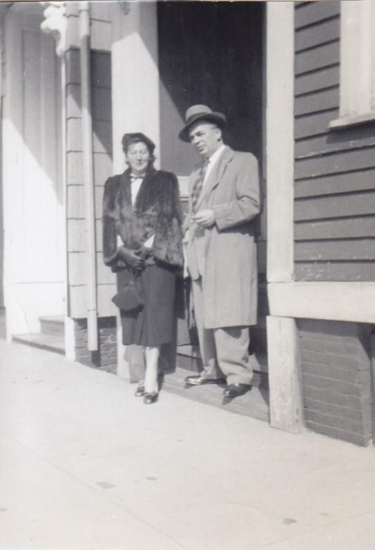 Aleksandra ir Antanas Gustaičiai. Bostonas. 1952 m.