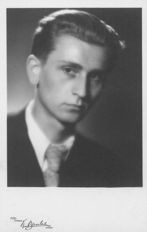 Algirdas Landsbergis. Kaunas, apie 1943 m.