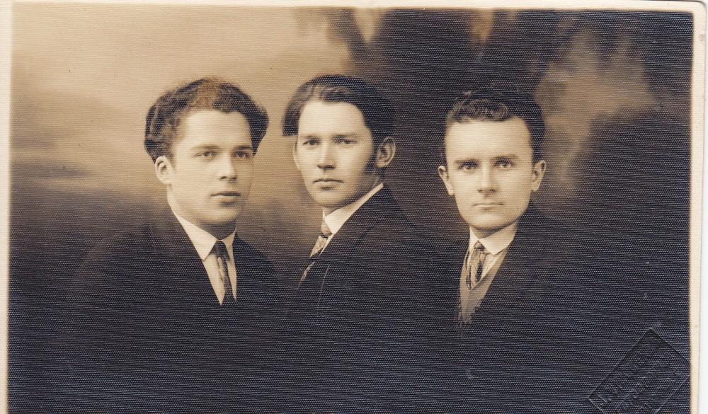 Antanas Gustaitis, Geniušas ir V. Montvila. Marijampolė. Apie 1927 m.