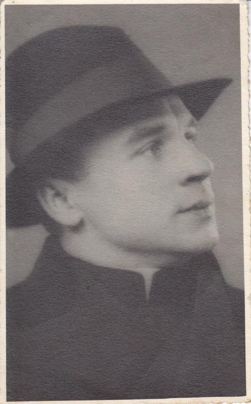 Apie 1935 m.