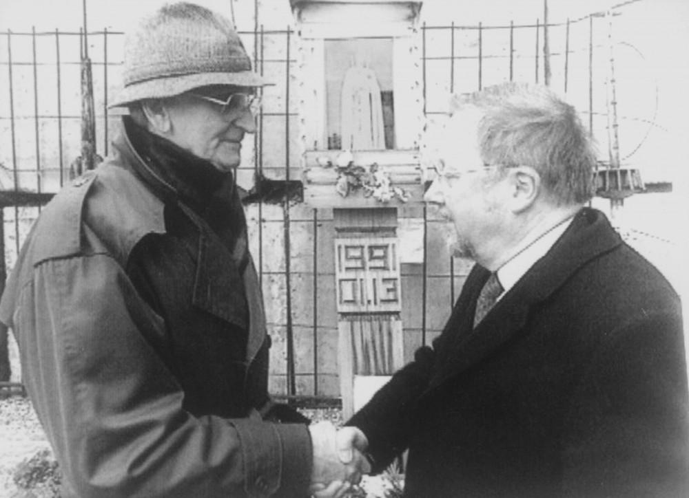 Dramaturgas A. Landsbergis ir politikas V. Landsbergis. Vilnius, 1991 m.