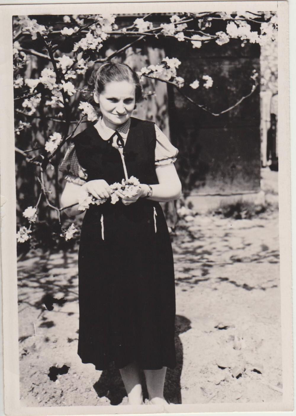 Elena Spurgaitė Jūrėje. Apie 1965 m.