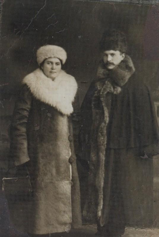 G. Jokimaičio tėvai – Liudvika Kriaučeliūnaitė-Jakimavičienė ir Jonas Jakimavičius. Apie 1915 m.