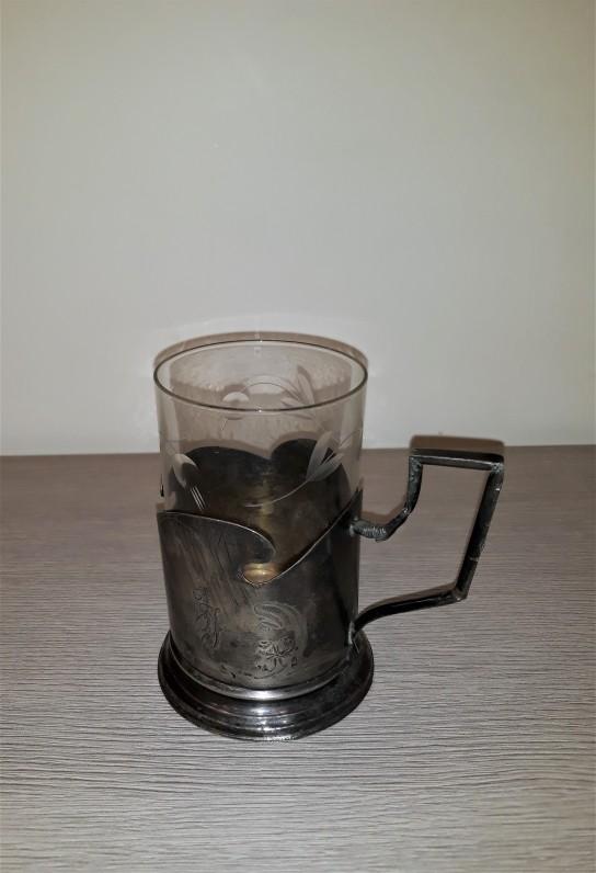 J. Jablonskio stiklinė su įdėklu ir monograma