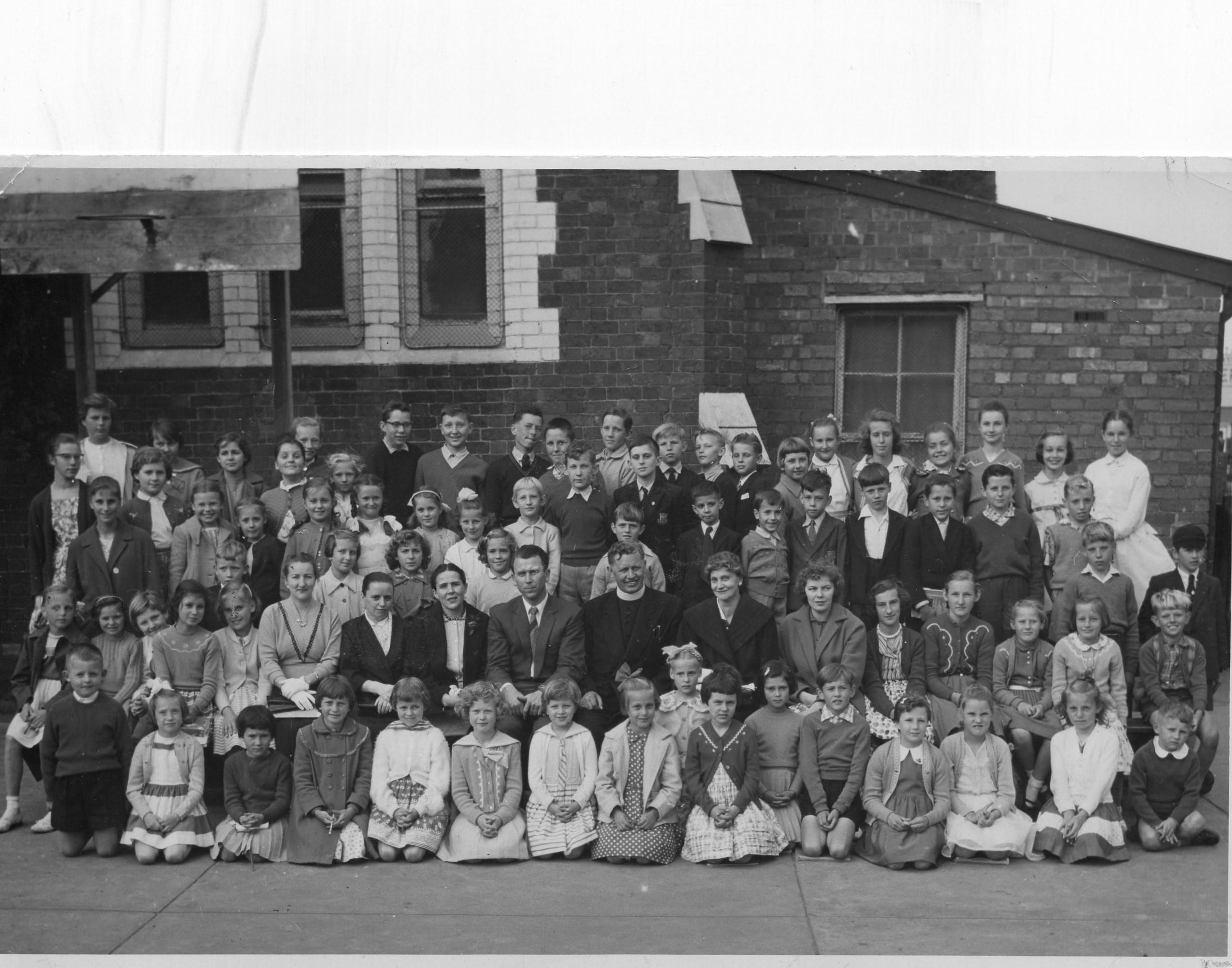 J. Švabaitė su sekmadienio mokyklos mokiniais. Melburnas, 1959 12 20