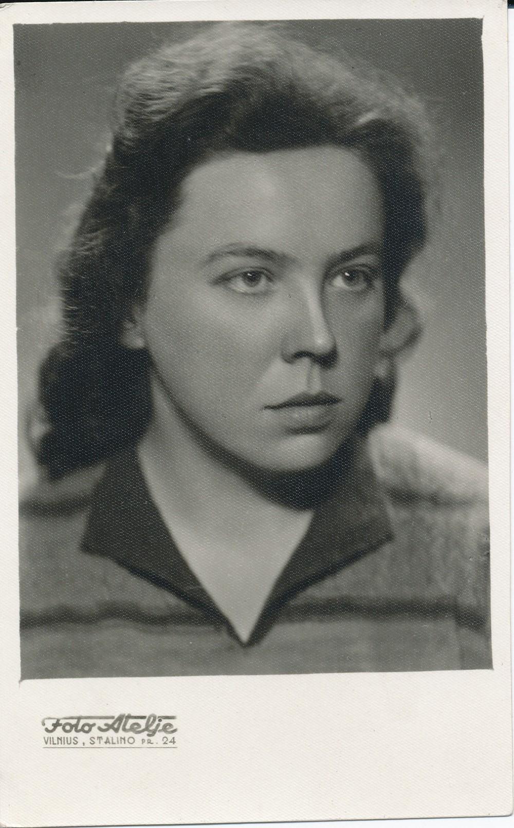 Janina Degutytė 1955 m. Fotografija daryta kurso vinjetei