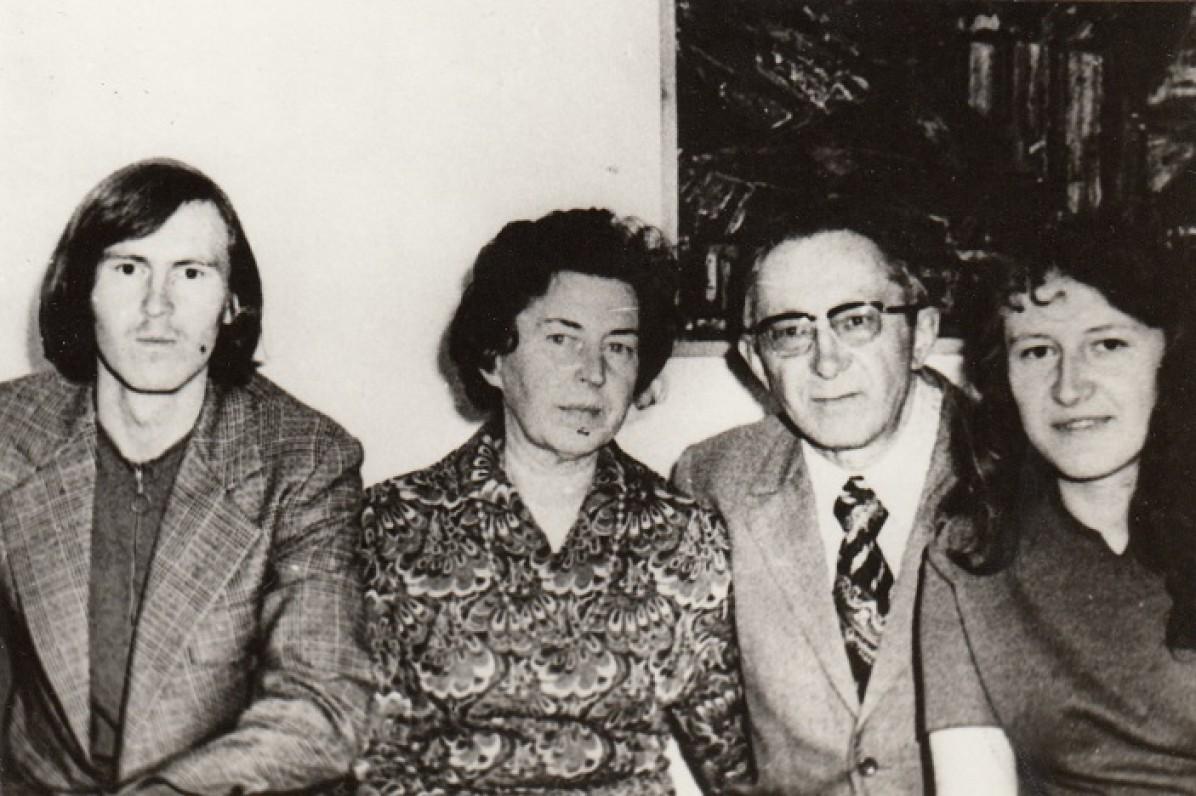 Jokimaičių šeima. Kęstutis, Pranė, Gediminas ir Danutė. Apie 1970 m.
