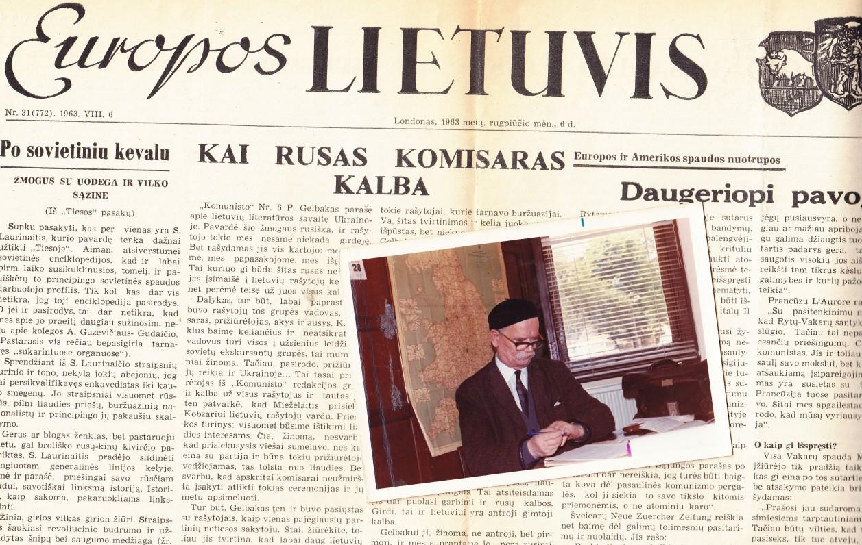 """K. Barėno ilgus metus redaguotas laikraštis """"Europos lietuvis"""" ir pats redaktorius savo darbo vietoje. Londonas. Apie 1980 m."""