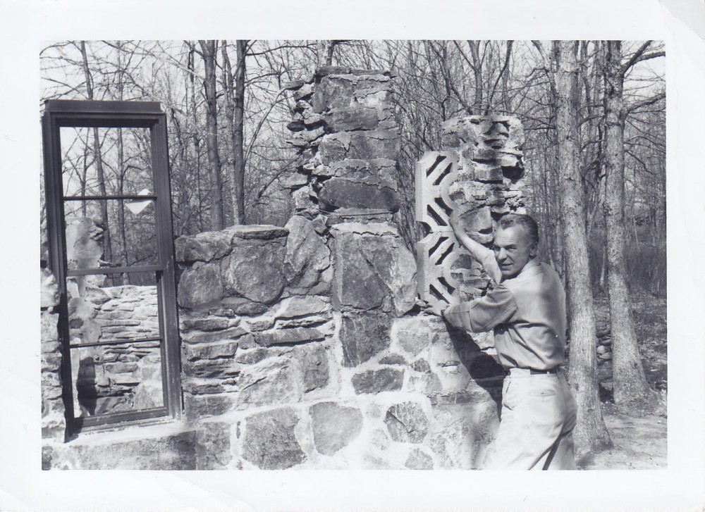 Kun. S. Yla stato Mindaugo pilį – muziejų Putname prie Švč. Mergelės Marijos Nekaltojo prasidėjimo vargdienių seserų vienuolyno. 1962 m.