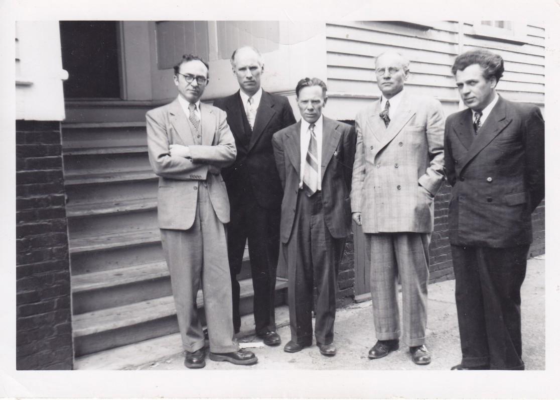 Lietuvių rašytojų draugijos pirmoji valdyba JAV. B. Brazdžionis, S. Santvaras, J. Aistis, F. Kirša, A. Gustaitis. Bostonas. 1950 m.
