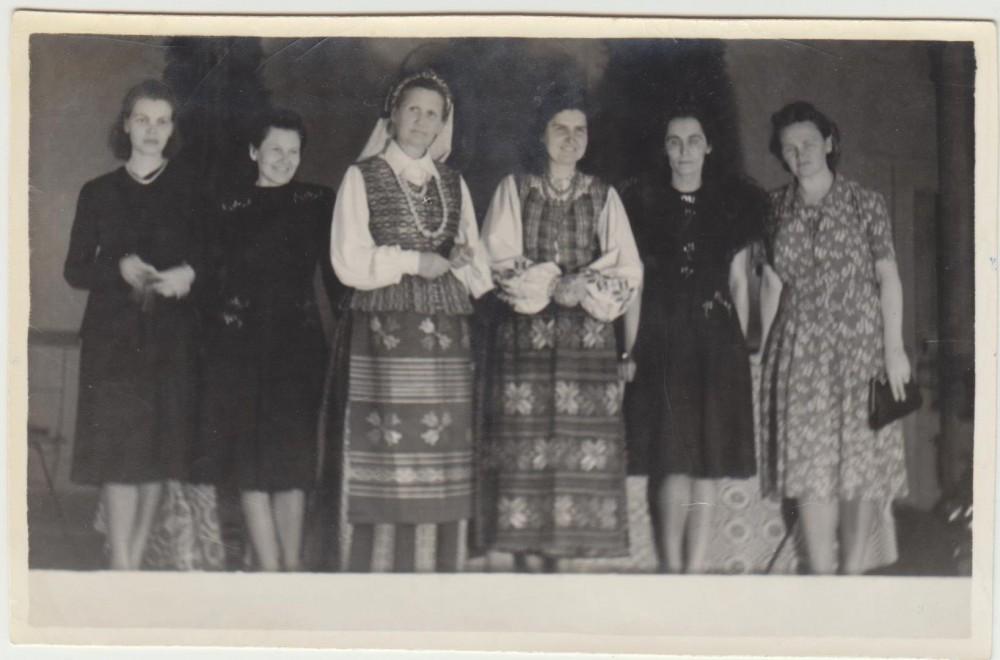 Lietuvių rašytojų moterų literatūros vakaro dalyvės. Eichstätt. 1948 m. M. Mykolaitytė-Slavėnienė, K. Grigaitytė, J. Augustaitytė-Vaičiūnienė, G. Tulauskaitė